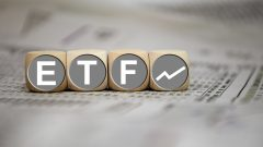 What's the Difference Between an ETF, Mutual Fund and Stock?